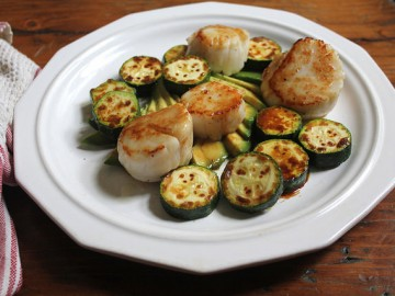 Seared Scallops and Zucchini with Avocado