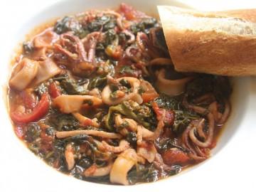 Calamari Braised with White Wine, Tomatoes & Spinach