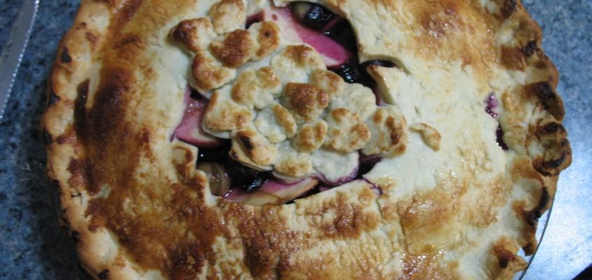 Concord Grape Apple Pie