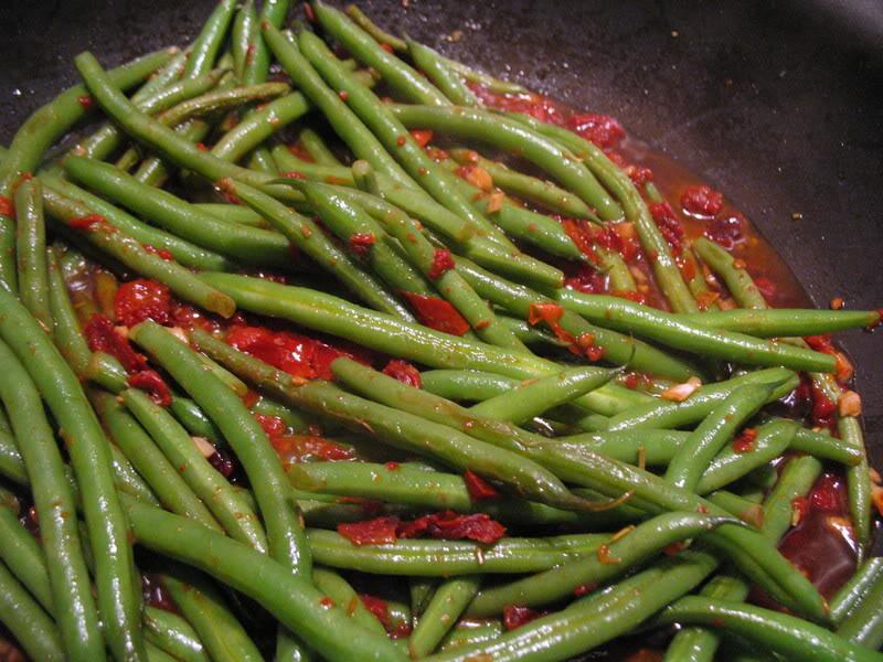Sundried Tomato-Braised Green Beans