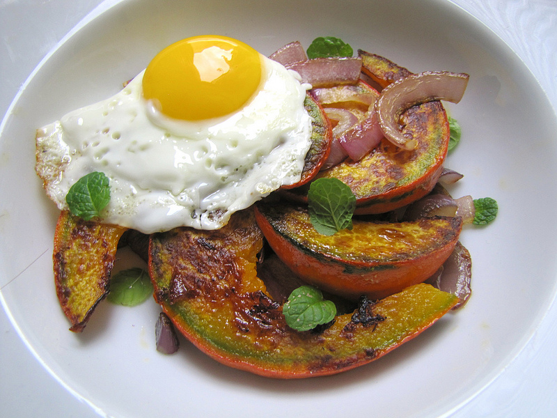 "Kuri Squash ""Steaks"" and Eggs"