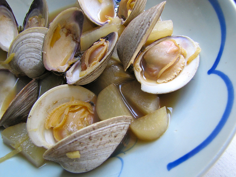 Clams Simmered with Sake and Daikon Radish