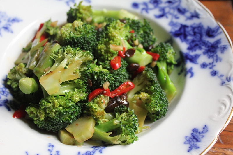 Stir-Fried Broccoli with Fermented Black Beans