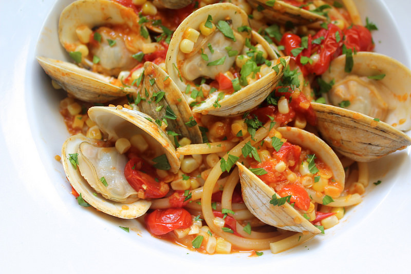 Pasta with Cherry Tomatoes, Sweet Corn and Clams