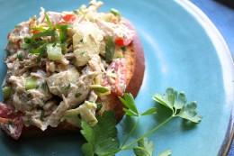 Chicken Salad with Tomato and Artichoke