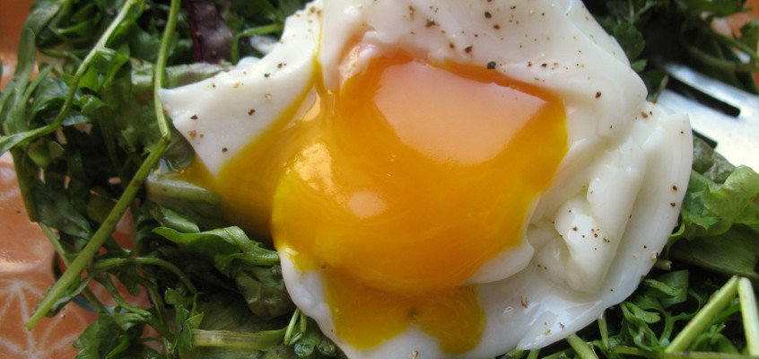 Peppercress and Poached Egg Salad