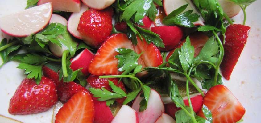 Strawberry & Radish Salad with Balsamic Vinegar