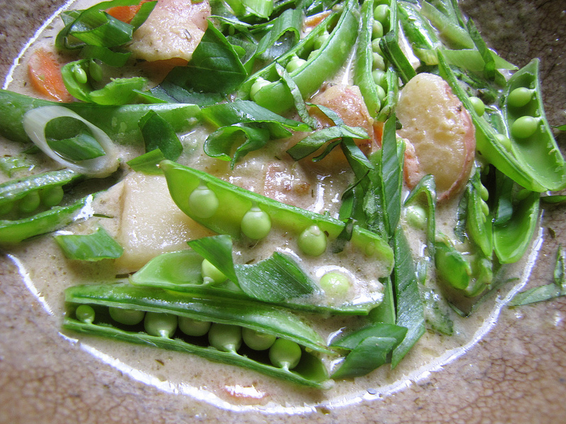 Coconut Green Curry Sugarsnap Peas
