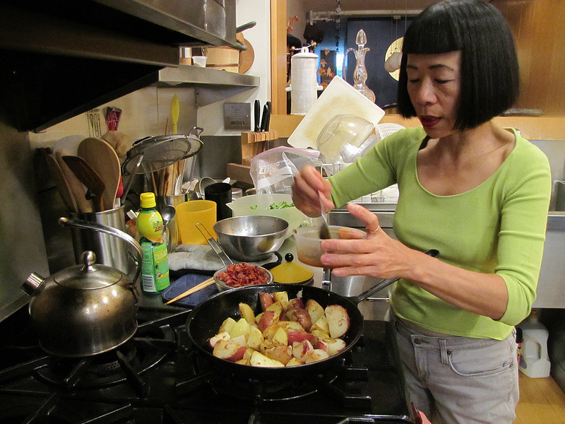 Here's Lookin' At You Cook, Hiroko Shimbo