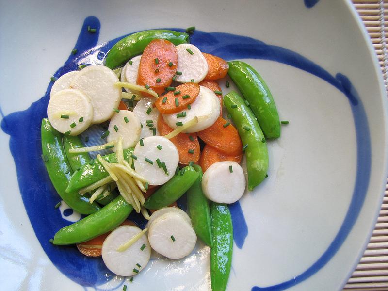 Hakurei Turnip Sautée with Ginger, Carrots and Sugarsnap Peas
