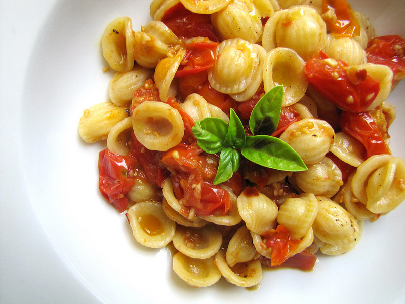 Pasta with Fresh Tomato and Anchovy Sauce